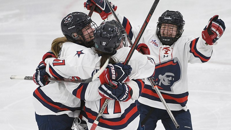Second Period Rally Stunted in Setback for Women's Hockey - Robert Morris University Athletics
